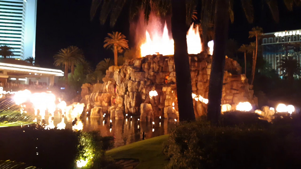 Las Vegas (Volcano show) (I was too lazy to edit) 9